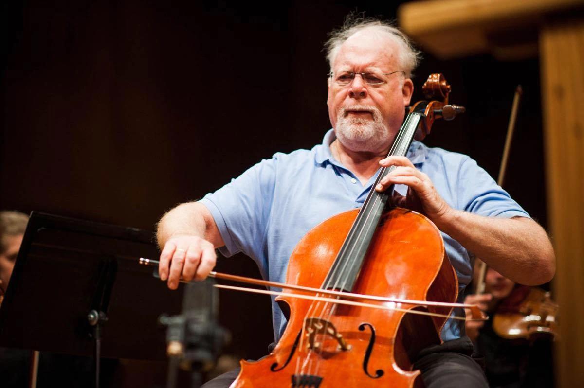 美国知名大提琴家林恩.哈瑞尔