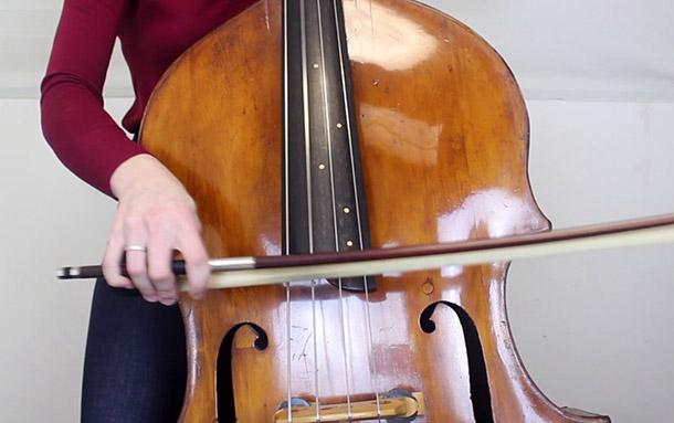 低音提琴在乡村音乐中的应用