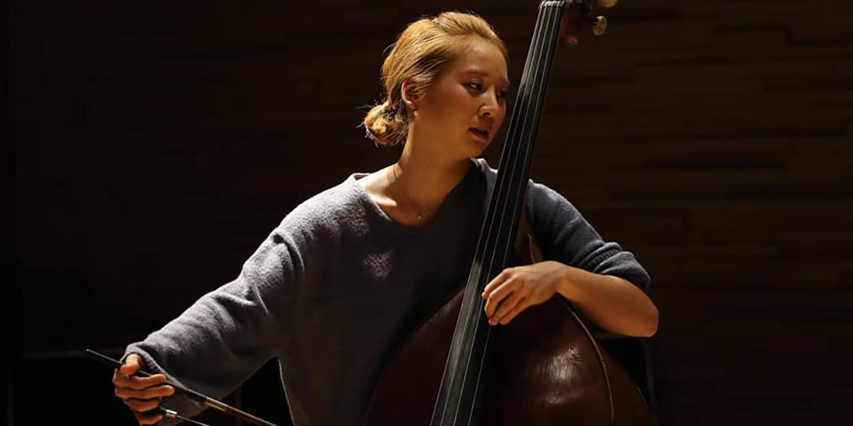 韩国古典低音提琴手米京成