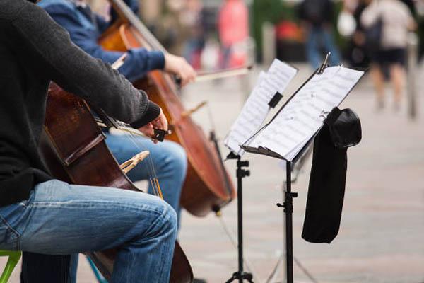 学习大提琴时如何找到合适的音乐老师