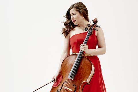 大提琴家艾丽莎·韦勒斯坦:如何保持自然舞台形象