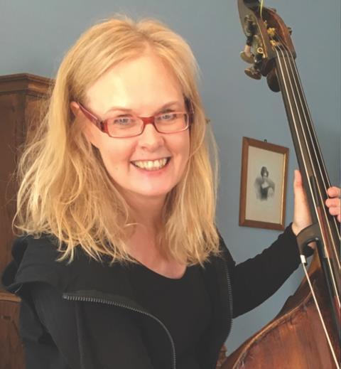 大提琴家克里斯汀·霍克