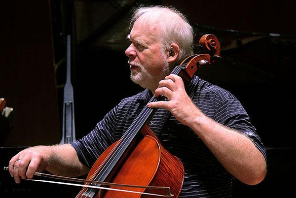 向伟大的音乐家致敬:大提琴家林恩·哈雷尔