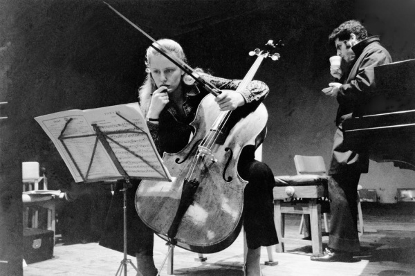 """杜普雷和""""Davidoff """"大提琴"""